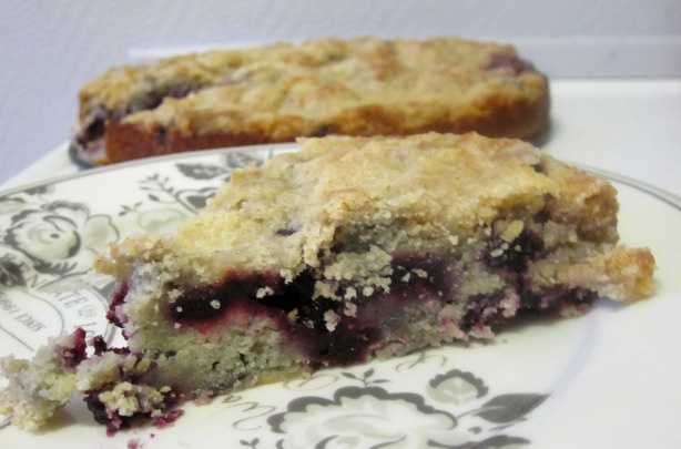 Old-fashioned blueberry buckle (coffee cake)