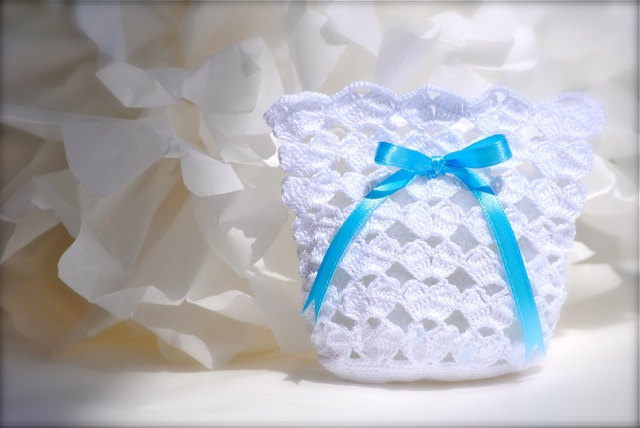 wedding favor baby shower crochet white bag di lecrochetdor 15 00