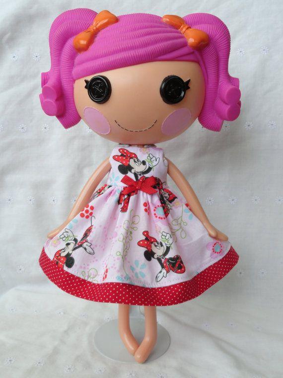 Эй, я нашел этот действительно удивительный Etsy листинг на http://www.etsy.com/listing/150104061/lalaloopsy-dress-i-love-minnie-mouse