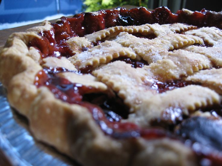 Bubby's Sour Cherry Pie Recipe : Food Network - FoodNetwork.com