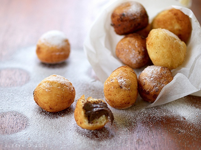 Donuts filled with Nutella in russian translate to english these look ...