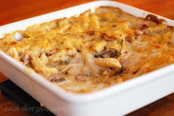 Baked Penne w/ Chicken & Sun-Dried Tomatoes So good--makes 2 8x8 pans ...