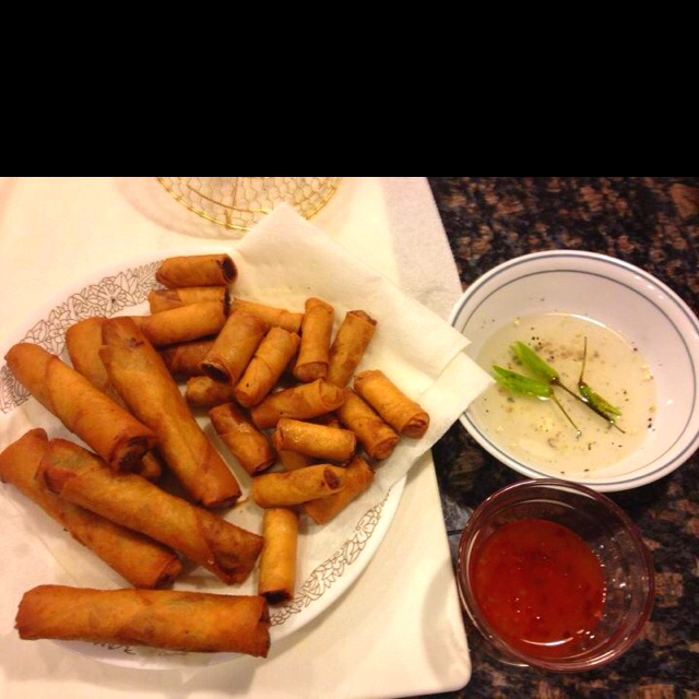 ... and vegetable eggrolls with sweet chili and spicy vinegar sauce! Yummo