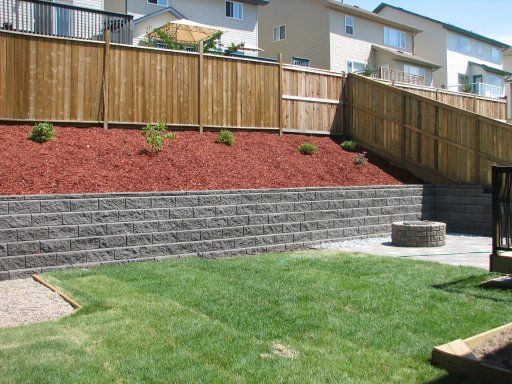 Simple retaining wall landscaping ideas pinterest for Simple wall garden ideas