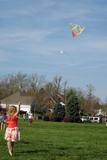 Neverland Nook: TIPsy Tuesday - Tetrahedral Kite