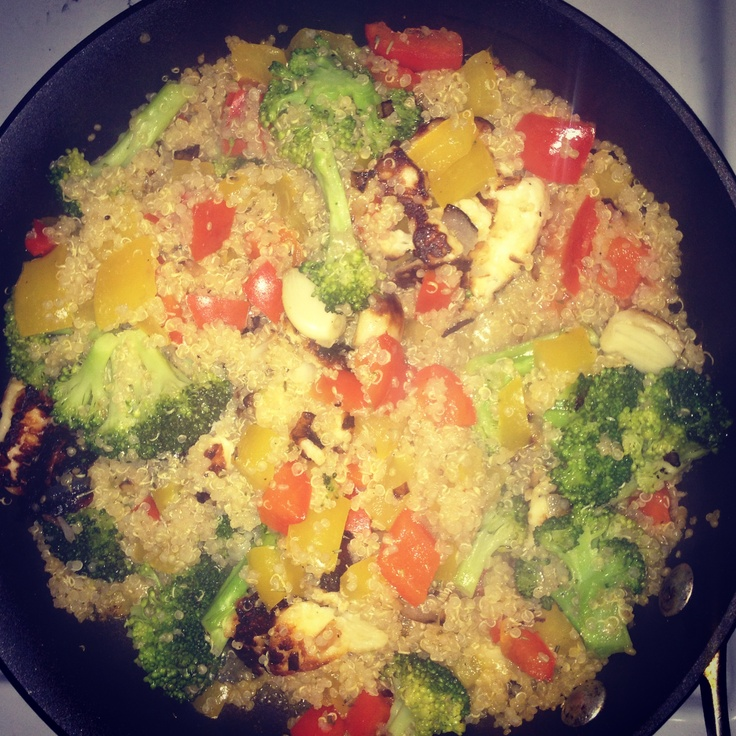 Quinoa with broccoli, peppers, shallots, garlic and grilled haloumi ...