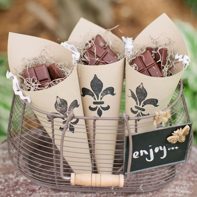 25 Fresh Ideas For Wedding Favors. To see more: http://www.modwedding.com/2014/03/27/25-fresh-ideas-for-wedding-favors/ #weddings #wedding #favor Photo: Canary Grey