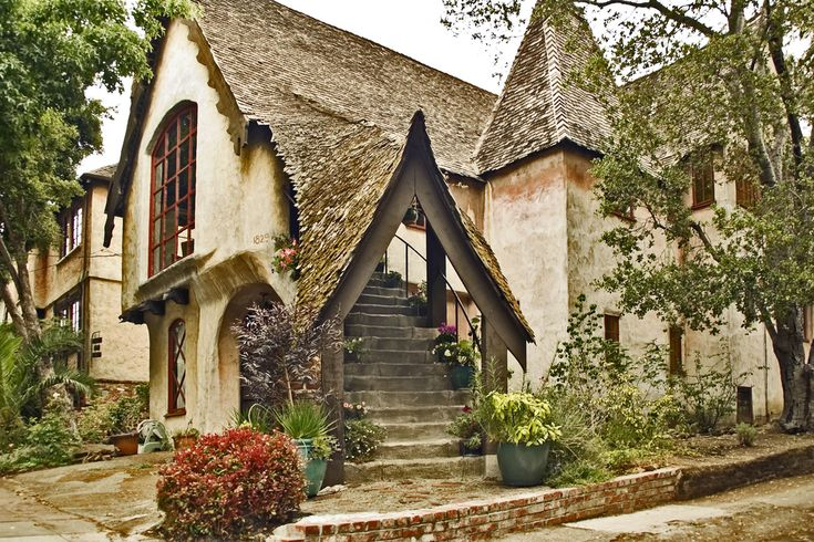Storybook home somewhere near oakland storybook for Storybookhomes com