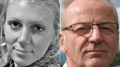 The same U.S. Navy SEAL team that killed Osama bin Laden parachuted into Somalia under cover of darkness early Wednesday and crept up to an outdoor camp where an American woman and Danish man were being held hostage.