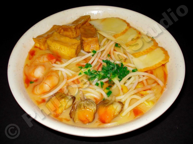 Singapore Laksa....my fave dish in the world (hold the sprouts)