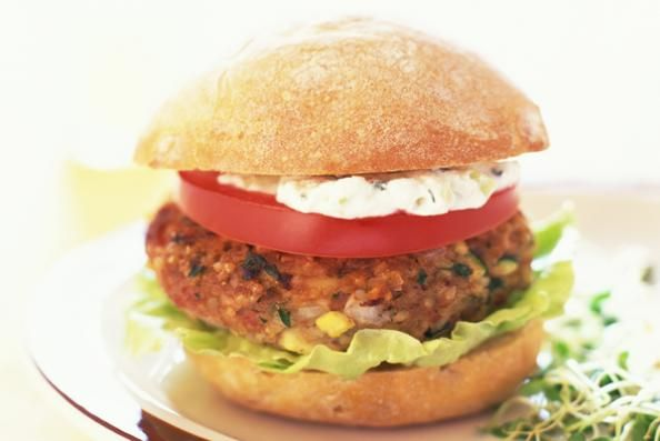 Make your own veggie burger with quinoa | food | Pinterest
