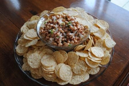 Great Party Dip! Black eyed peas for good luck!