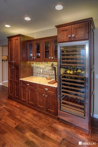 Kitchen knotty alder cabinets wood species alder for Alder kitchen cabinets