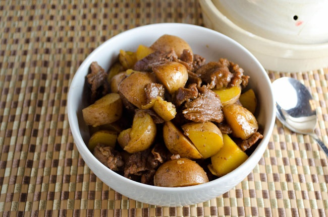 Japanese} Braised Beef and Potatoes | Beef Recipes | Pinterest