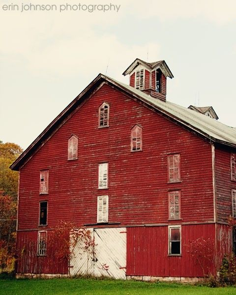Red Barn Old Houses And Barns Pinterest