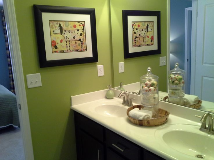 Green bath (model home) | Fabulous Bathrooms | Pinterest