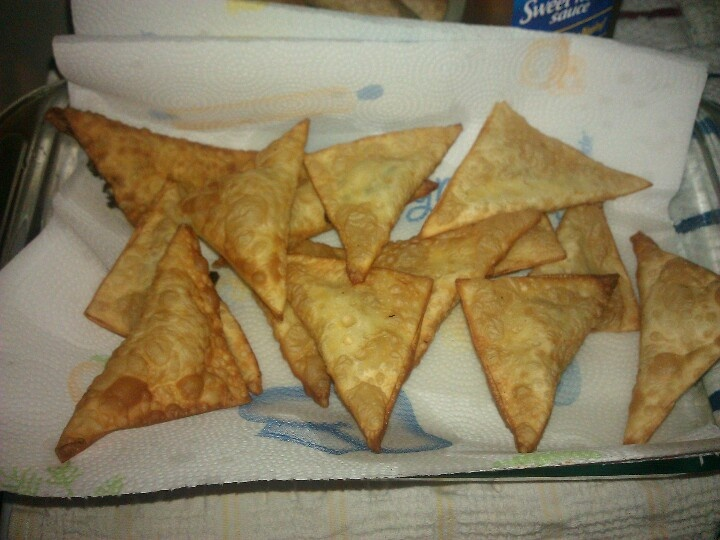 Cream cheese wontons | *Recipes to try soon* | Pinterest