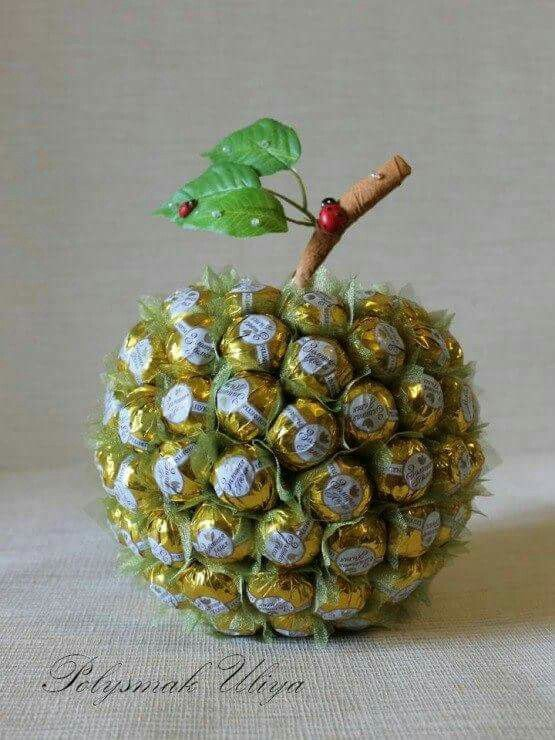 Как сделать из конфет фрукты своими руками  6