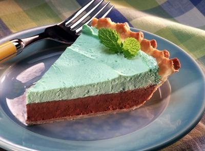 Chocolate Mint Mousse Pie | YUM! Candy/Confections/Cookies | Pinterest