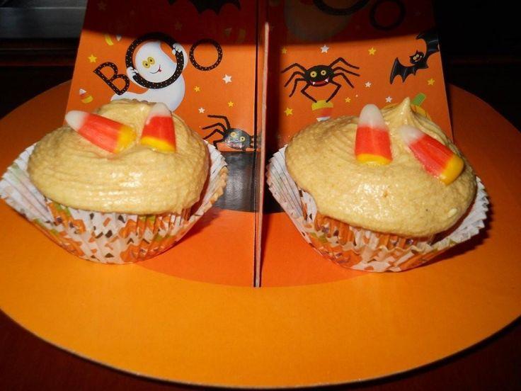 Pumpkin Cupcakes with Pumpkin Buttercream Frosting