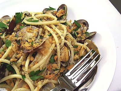 Linguine With Clams And Fennel Recipe — Dishmaps