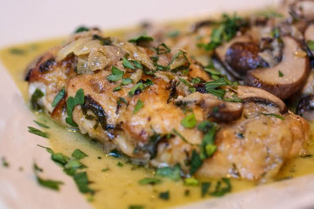 Chicken and Mushrooms in a White Wine Sauce - a quick and easy recipe ...