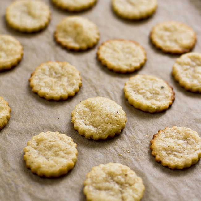 // parmesan crackers