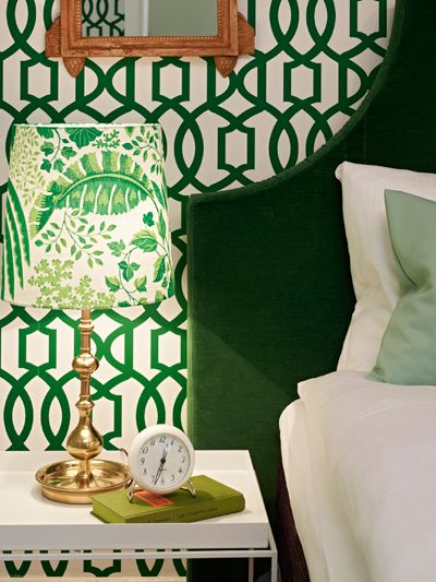 awesome emerald and white wallpaper, lamp and bed