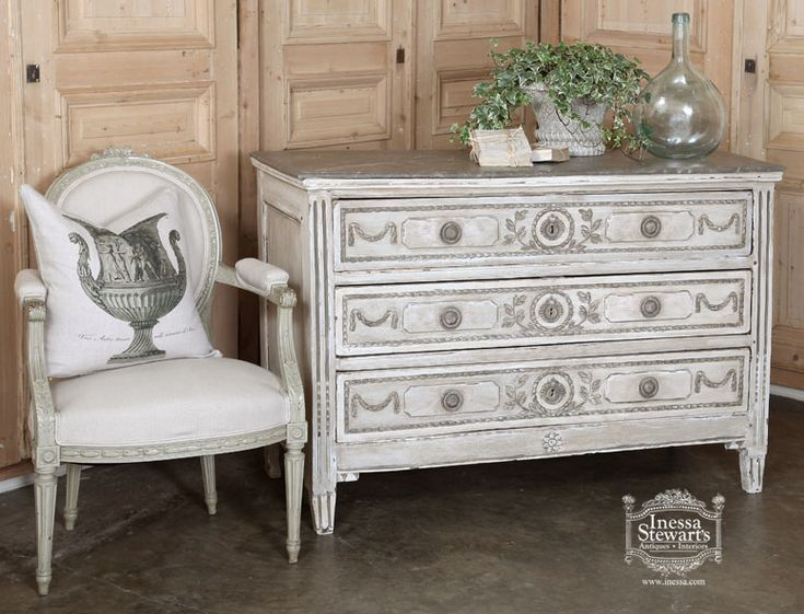 Antique of the Week ~ Louis XVI Painted Commode -> Kitea Commode