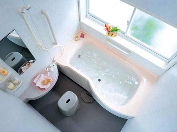 Consigli per arredare un bagno di piccole dimensioni: vediamo qual è il colore migliore per le pareti. http://www.leonardo.tv/bagno/arredare-bagno-piccolo-colore-pareti