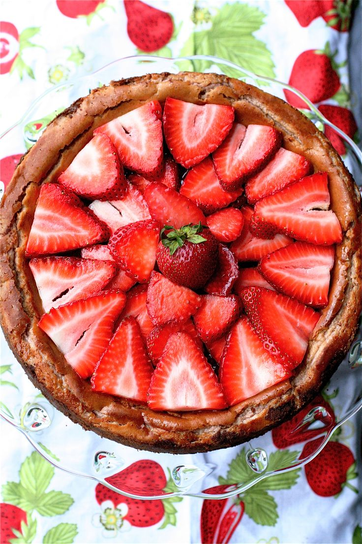Strawberry Strawberry Cheesecake~T~ This is a lovely dessert and so ...