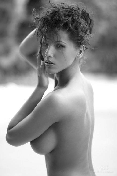 Art nude poses as reference for female figure sketches ...