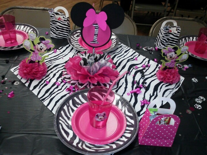 Minnie mouse 1 year old birthday party my creations for 1 year birthday decorations