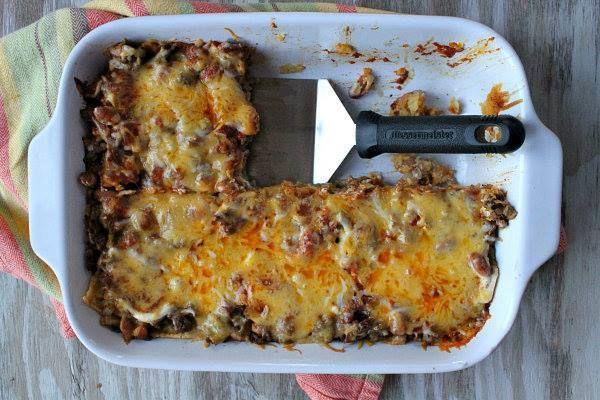 Beef and Bean Enchilada Casserole! | N!FY Dinners/Snacks! | Pinterest