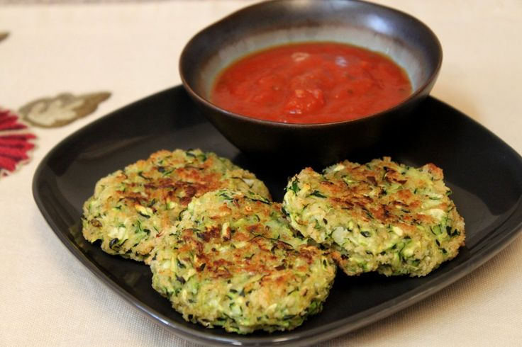 Zucchini Fritter-Cakes. Designed to taste like a crab cake. Good with ...