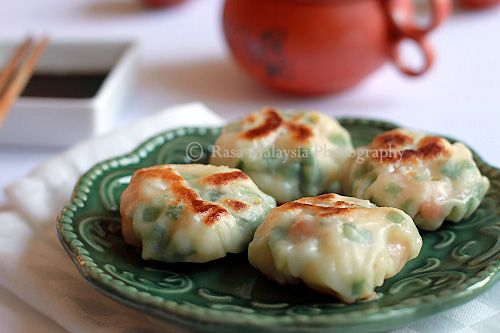 Shrimp and Chive Dumplings (韭菜虾饺)