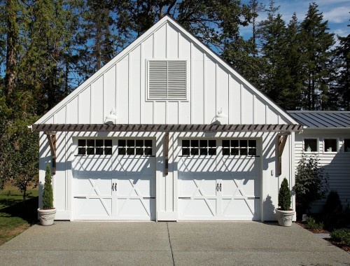 Garage doors overhang back door overhangs pinterest for Garage overhang