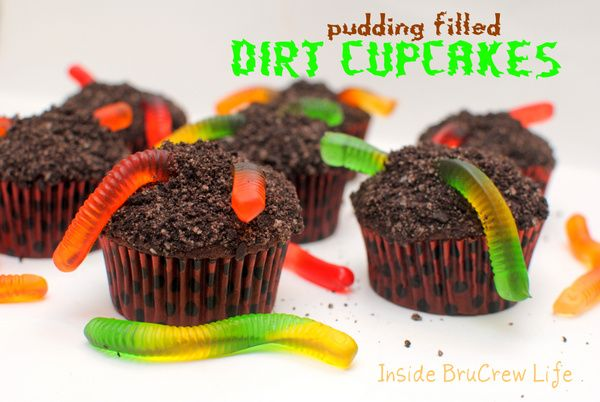 Pudding Filled Dirt Cupcakes - chocolate cupcakes with a pudding ...