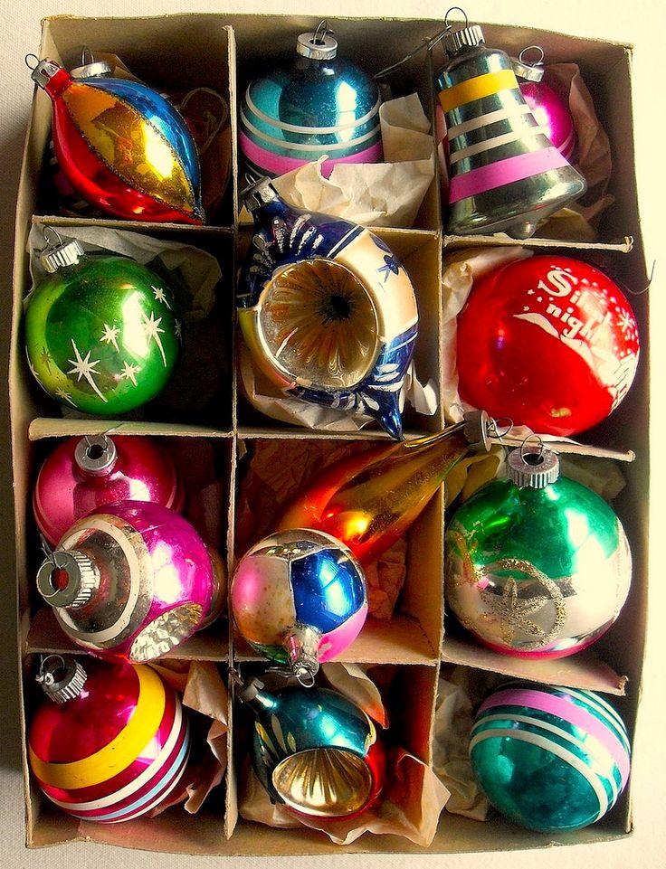 1940s - 1950s Vintage Christmas Ornaments SHINY BRITE BOX Gramma & Grampa Botticelli had these.