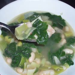 Spinach and Leek White Bean Soup | Allrecipes.com