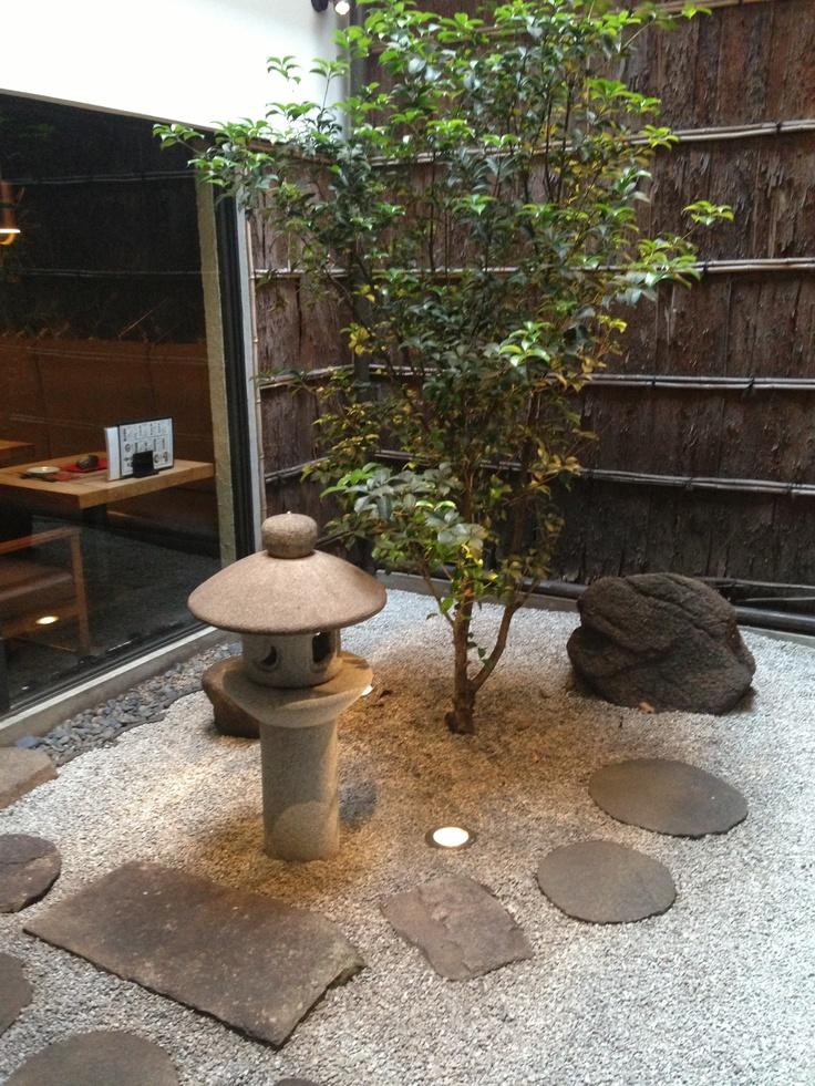 Indoor japanese garden for the home pinterest for Japanese garden inside house