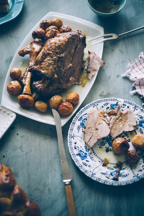 Greek Style Roast Leg Of Lamb With Lemon Roasted Potatoes ...