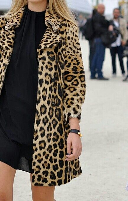 Leopard coat. @Gina Schinestuhl love