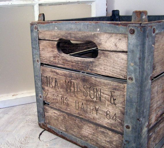 Cool vintage milk crate decor ideas and inspiration for Uses for old wooden crates