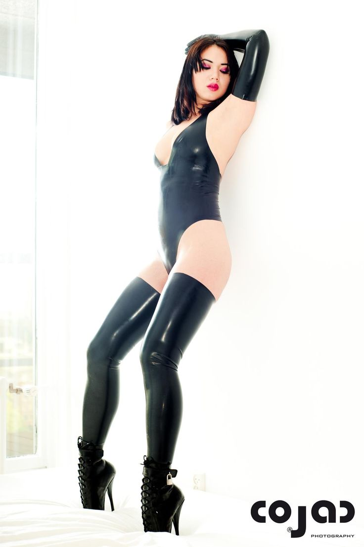 Ballet high heels and latex
