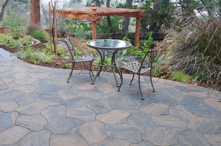 Interlocking paver patio interlocking pavers pinterest for Pinterest patio pavers