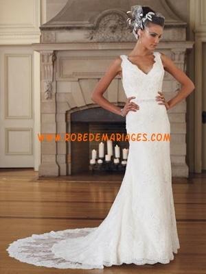 Robe de mariée dentelle col V traine  Robes de mariée  Pinterest