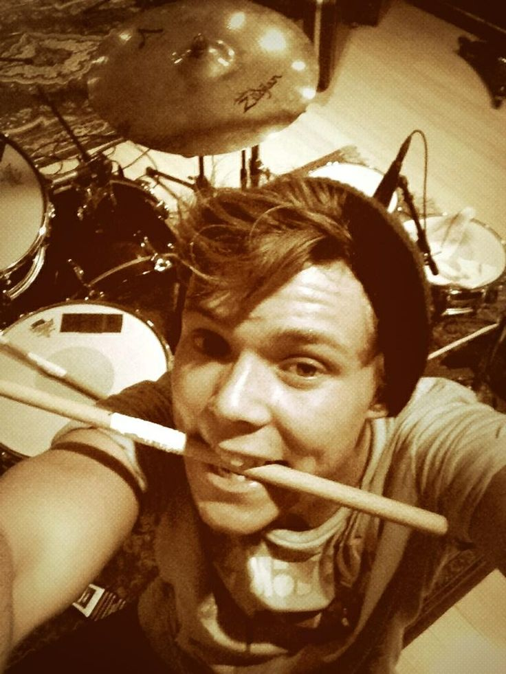 fetus ashton irwin - photo #7