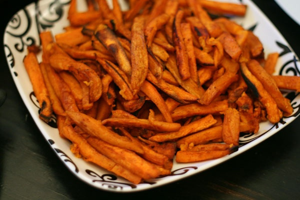 Oven baked sweet potato fries | It's Vegan alright! | Pinterest