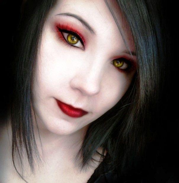 girl vampire makeup